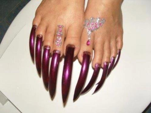 Sword toenails